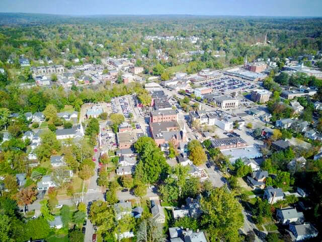 Aerial View of Downtown Chagrin Falls Business District where Oscar Giovanni Salon & Spa is located.